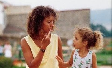 Surdez na infância: A cada 200 crianças, 3 nascem surdas no Brasil