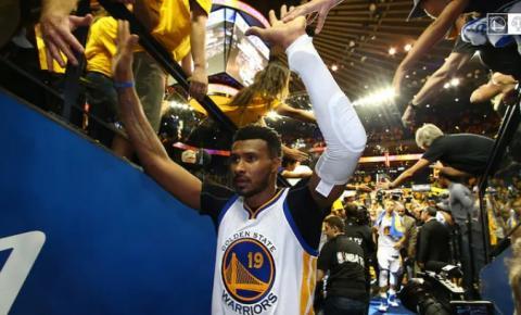 Leandrinho se aposenta e assumirá cargo na comissão técnica em time da NBA
