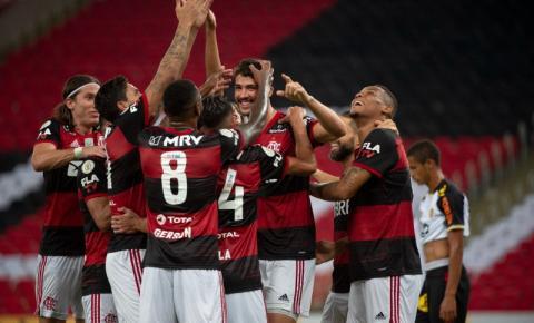 Flamengo bate Sport e chega à vice-liderança