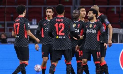 Liverpool vence Ajax em Amsterdam na estreia da Liga dos Campeões