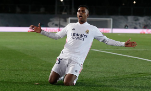 Rodrygo marca e garante vitória ao Real Madrid pela Liga dos Campeões