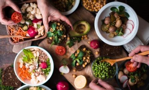 Vegetarianismo x veganismo: uma nova gastronomia influenciada pelas redes sociais