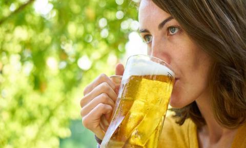 IBGE: Brasileiros aumentam consumo de álcool em 2019