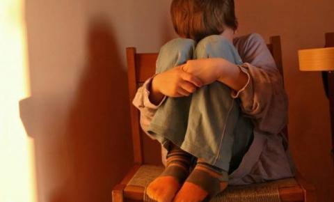 Abuso infantil    Um mal que tem afligido crianças brasileiras