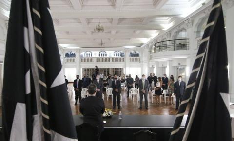 Diretoria e membros de organizadas fazem reunião em meio à crise do Botafogo