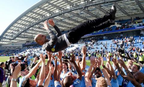 Manchester City fatura bicampeonato da Premier League na última rodada