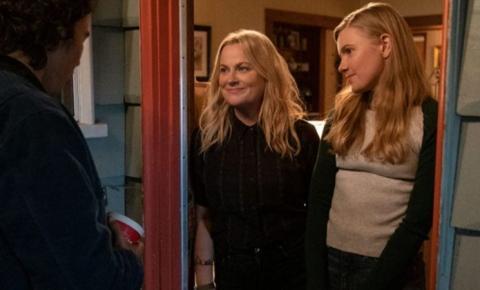 """Netflix divulga trailer do filme """"Moxie: Quando as Garotas Vão à Luta"""""""