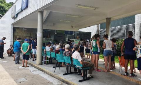 Vacinação de idosos, a partir dos 85 anos contra Covid-19 foi iniciada em Santos