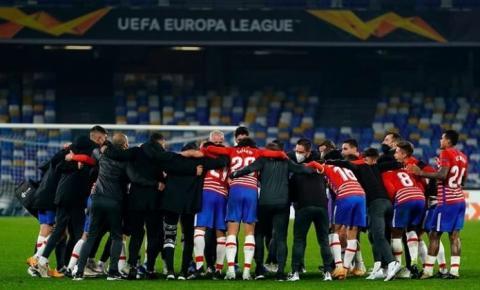 UEFA Europa League: Napoli vence o Granada, mas não evita eliminação da competição