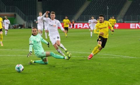 Com gol solitário de Sancho, Borussia Dortmund vence o M'gladbach nas quartas de final da Copa da Alemanha
