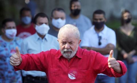 Ministro Edson Fachin retira condenações de Lula e ex-presidente volta a ser elegível
