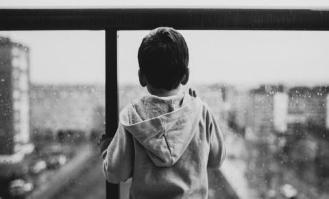 Pandemia pode prejudicar saúde mental e desenvolvimento de crianças e adolescentes
