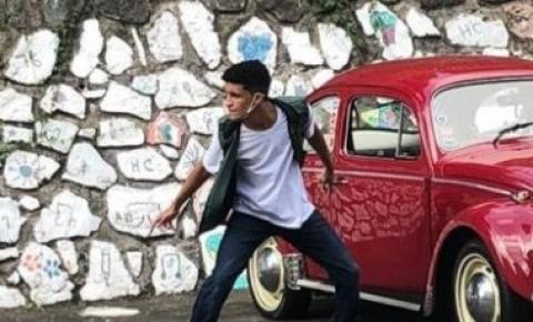 Rodrigo Ferreira: dançando dos palcos para casa