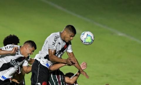Fluminense e Vasco duelam em momento crucial da Taça Guanabara