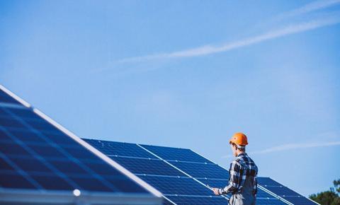Tecnologia fotovoltaica possibilita acesso à energia às comunidades ribeirinhas da Amazônia
