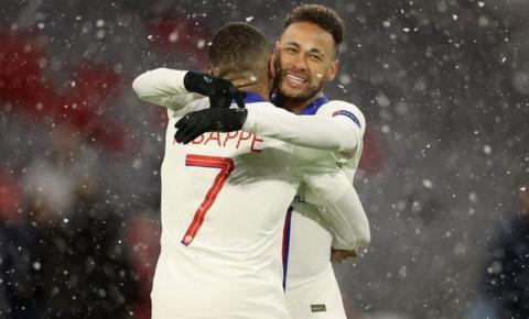 PSG vence o Bayern com duas assistências de Neymar