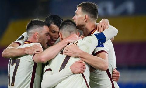 Roma suporta pressão e elimina o Ajax na Liga Europa