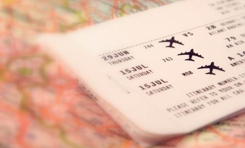 Saiba como economizar na hora de comprar as passagens aéreas