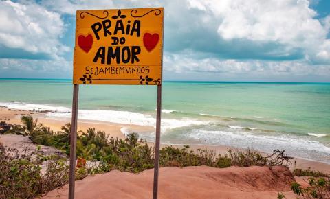 Praia do Amor: belezas naturais, sossego e comida boa
