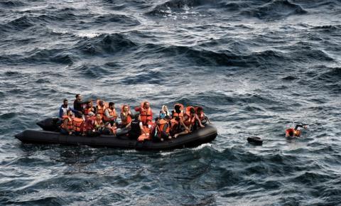 Dinamarca sanciona lei que permite retirar refugiados do país