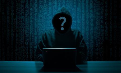 Crimes cibernéticos se tornam mais comuns, geram mais dinheiro e preocupa líderes mundiais