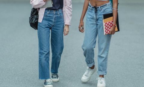 Jeans viajante: O mom jeans que nunca sai da moda