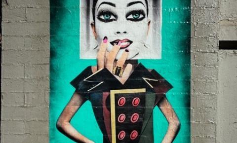 Arte reflete na influência do universo da moda