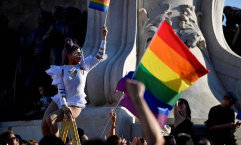 Hungria: Comunidade LGBTQ perde mais espaço