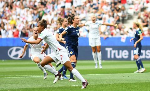 Em partida com utilização do VAR, Inglaterra vence Escócia