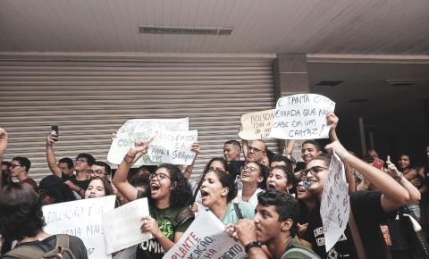 Manifestações 15M e 30M: Massa de manobra ou legitimação da democracia.
