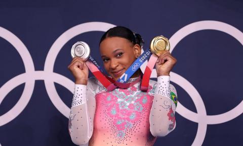 Rebeca Andrade faz história e conquista ouro e prata nas Olimpíadas de Tóquio