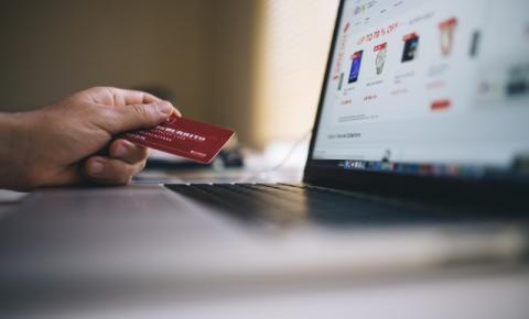 Vendas online crescem 57,4% no país em relação ao mesmo período em 2020