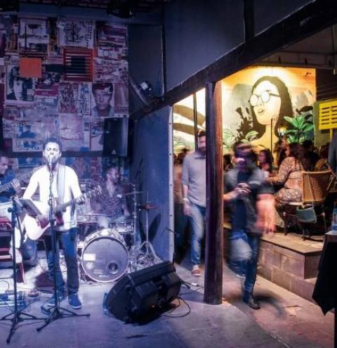 Casas de Goiânia abrem espaço para música alternativa como jazz, soul e blues