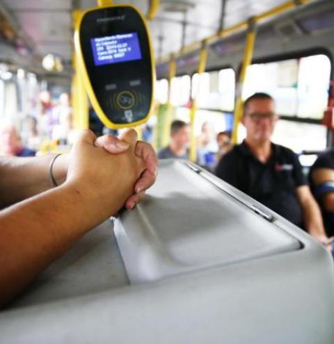 O futuro incerto dos cobradores de ônibus