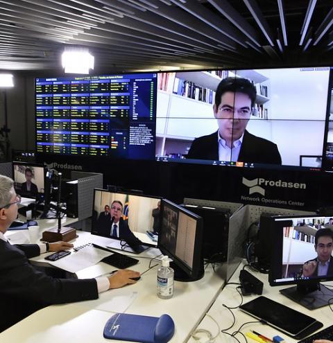 Senado aprova auxílio emergencial para trabalhadores autônomos