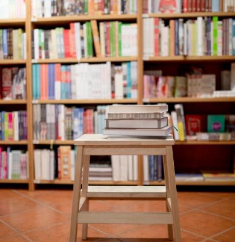 """Pobre também lê: """"livros são para todos"""""""